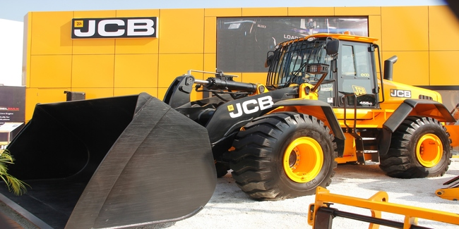 JCB India showcases JCB 455ZX and the JCB G63QI Diesel Generator