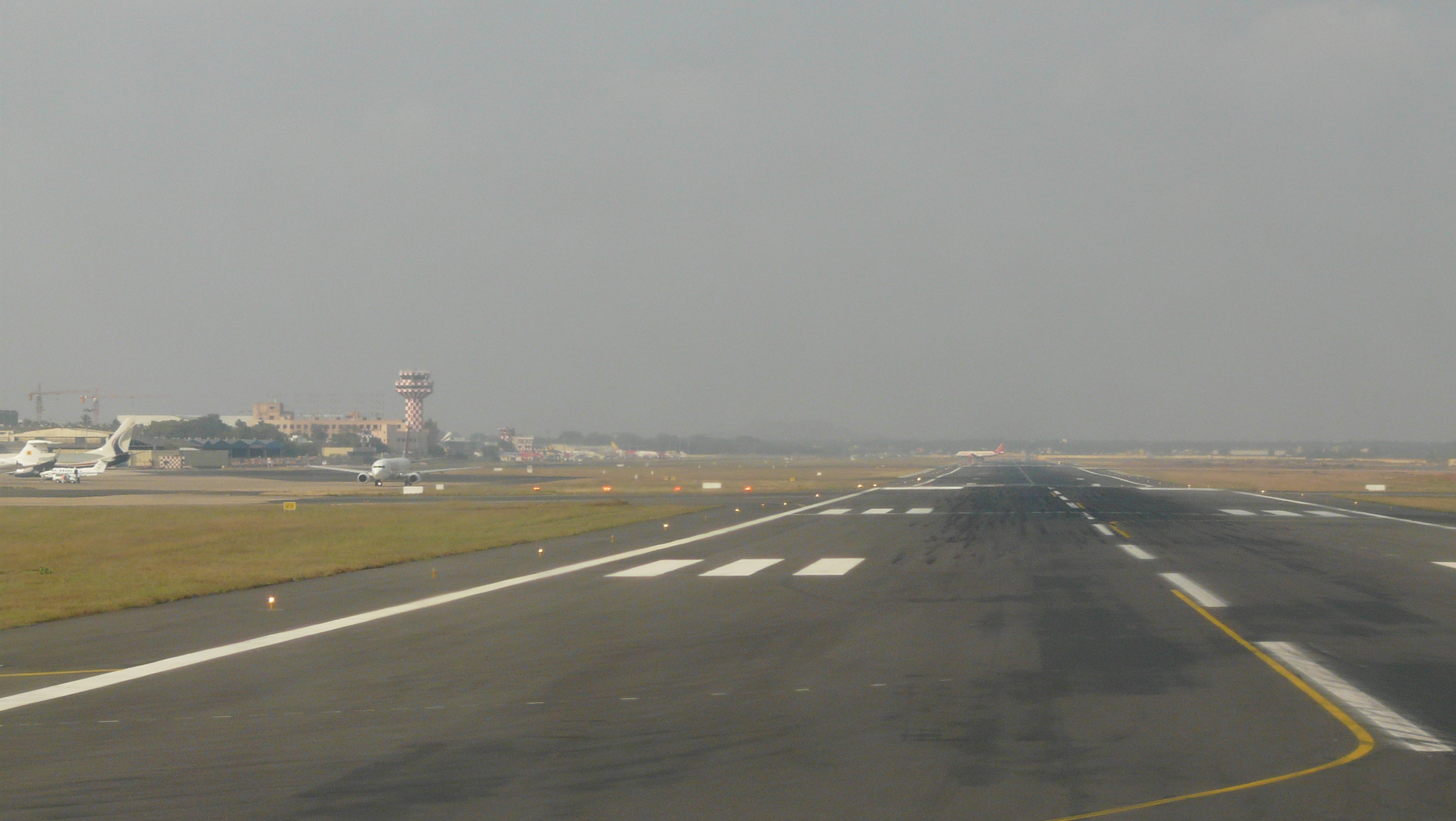 AAI decides to use plastic waste to lay or repair roads inside the airport