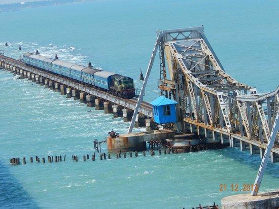RVNL calls bid towards supply of stainless steel for Pamban railway bridge