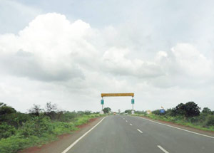 Four laning Maharashtra / Karnataka Border - Sangareddy Section