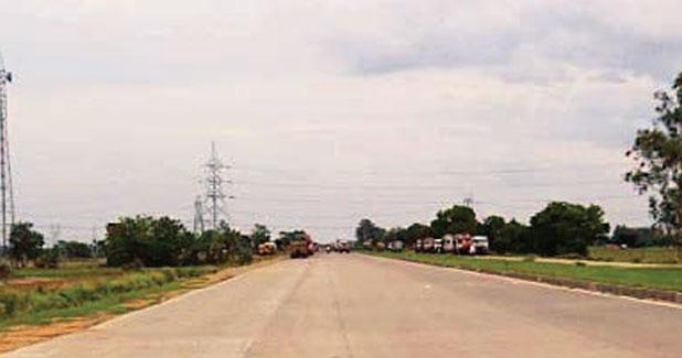 Six laning of Varanasi to Aurangabad section